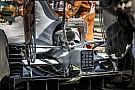 Hamilton motorjában egy nagy lyuk éktelenkedik - Japánra talán megtudjuk, mi történt...