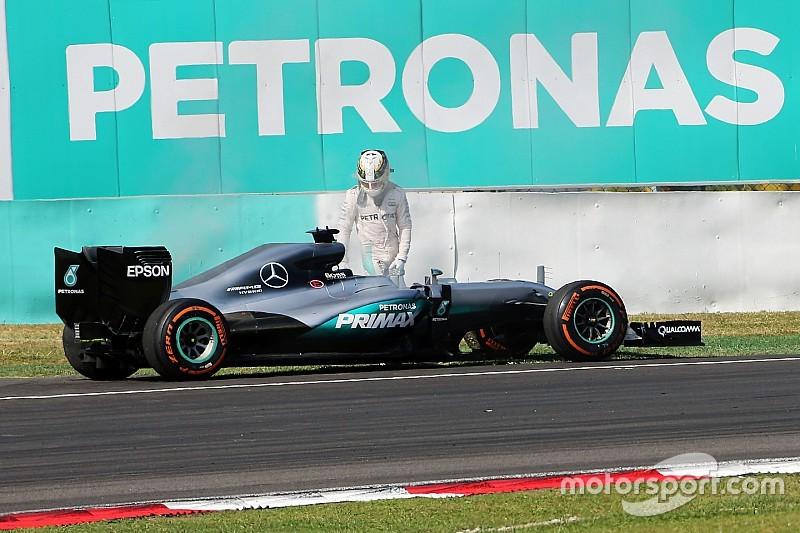 Mercedes zoekt nog altijd naar oorzaak motorplof Hamilton