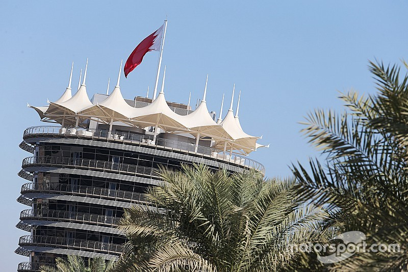 Lauda y Horner chocan por las pruebas de pretemporada