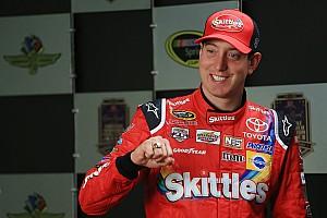 Monster Energy NASCAR Cup Pletyka A NASCAR-versenyző életreszóló élményt ajándékoz két gimnazistának!