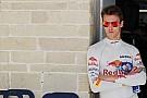 Kvyat seguirá en Toro Rosso en 2017