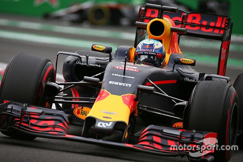 """Ricciardo: """"Necesitamos más velocidad con los superblandos"""""""