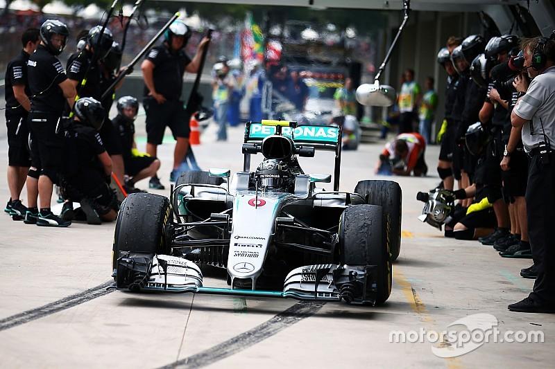 Pitstoppositie Mercedes verplaatst vanwege hobbel in asfalt