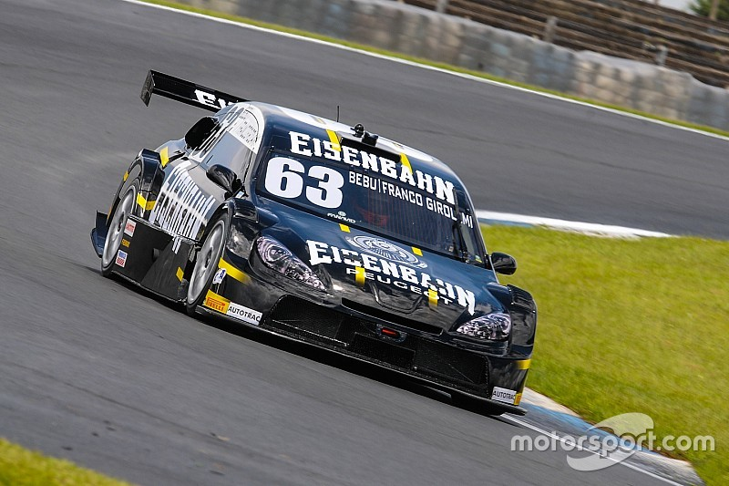 Brazilian V8 Stock Cars: Learning a new track. On the wet