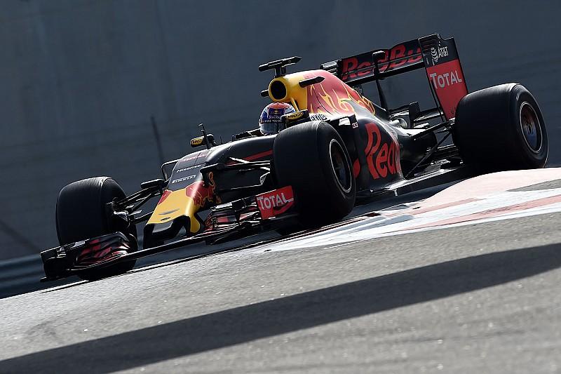Verstappen maakt kennis met bredere Pirelli-banden voor 2017