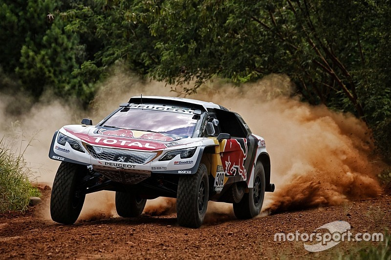 Loeb, nueve veces campeón de rallies, se quita presión para el Dakar