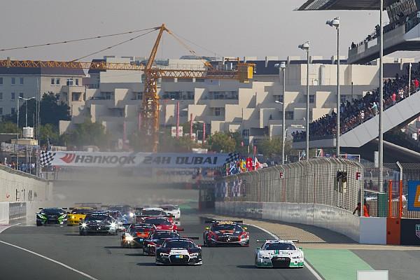 Endurance 24H Dubai: Kubica neve az autón, magyar csapat a mezőnyben