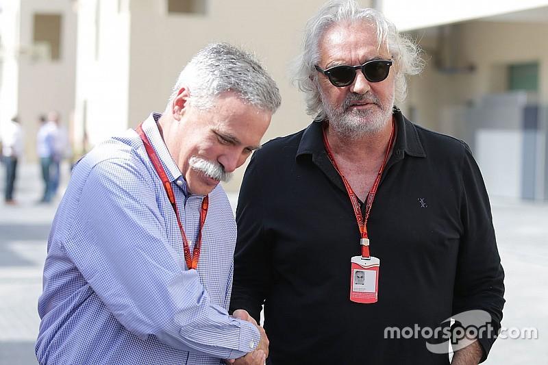 """Briatore: """"No han sido elegantes con Ecclestone"""""""