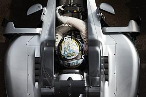 Mercedes arranca por primera vez su coche para 2017