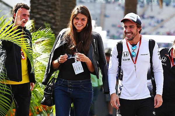 Stop/Go Livefeed Alonso és szerelme, Linda: nagyon boldogok együtt