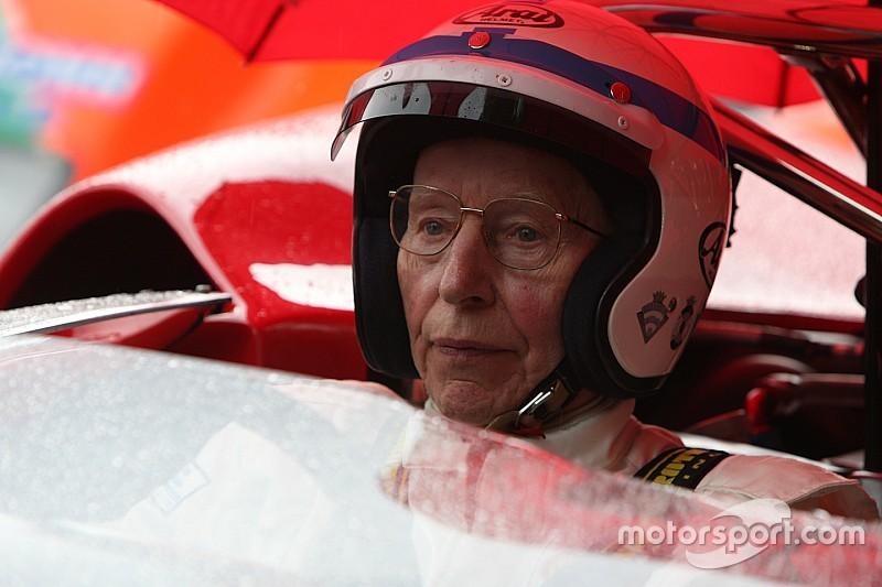 У віці 83 років помер Джон Сьортіс