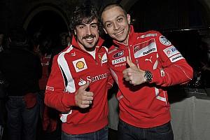 IndyCar Новость Валентино Росси пообещал следить за выступлением Алонсо в «Инди-500»