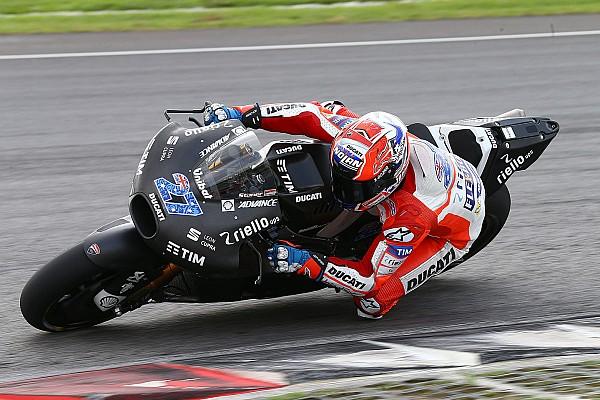 Stoner voor Ducati in actie tijdens privétest Barcelona