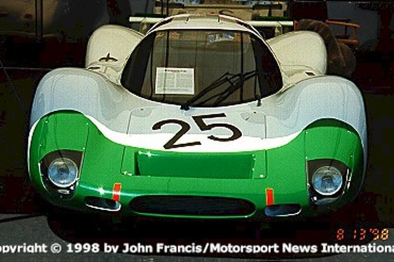 1969 Porsche 908 Coupe - Siffert.Redman (pits)