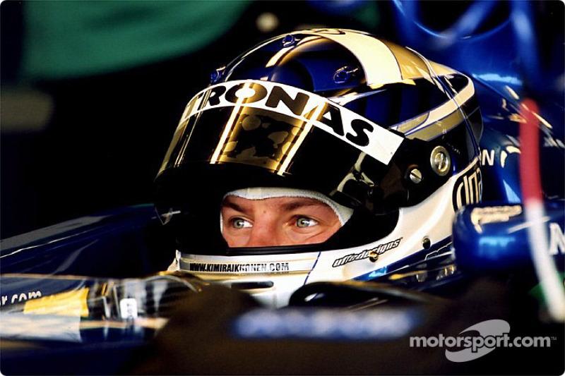 Kimi Raikonnen en el garage