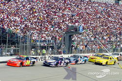 Race action: Jeff Gordon, Rusty Wallace and Mark Martin