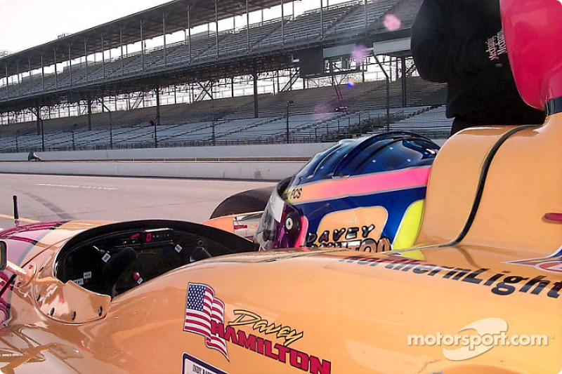 Side shot of Davey Hamilton's car