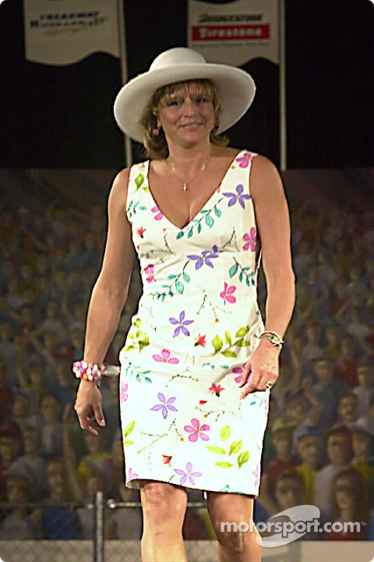 Lynne Olvey