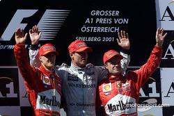Podyum: Michael Schumacher, David Coulthard ve disappointed Rubens Barrichello