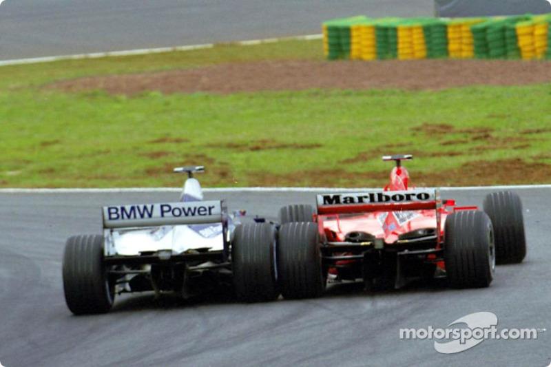 Juan Pablo Montoya attaque Michael Schumacher