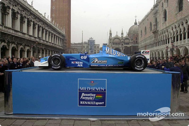 La B201 est présentée à Venise