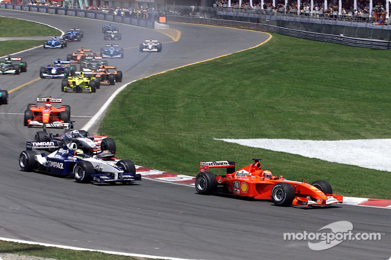 The start: Michael Schumacher in front of brother Ralf and David Coulthard