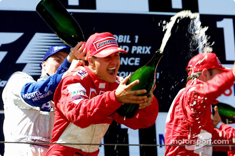 Ralf Schumacher, Michael Schumacher y Rubens Barrichello en el podio