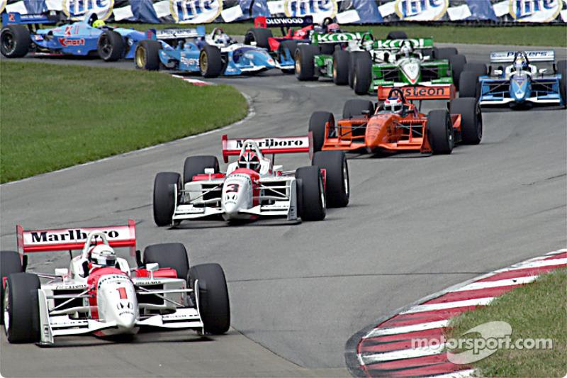 Team Penske leads the start