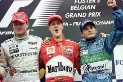 El podio: David Coulthard, Michael Schumacher y Giancarlo Fisichella