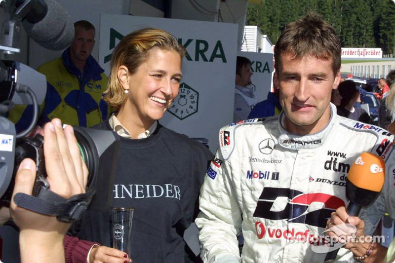 Bernd Schneider celebrating with his wife