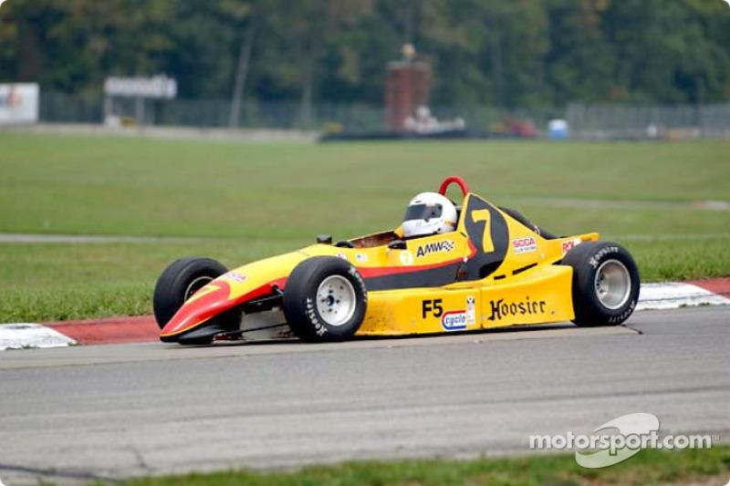 Race 3, Formula 500: Larry Svaton