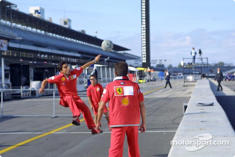 Squadra Rossa: Team Ferrari playing soccer