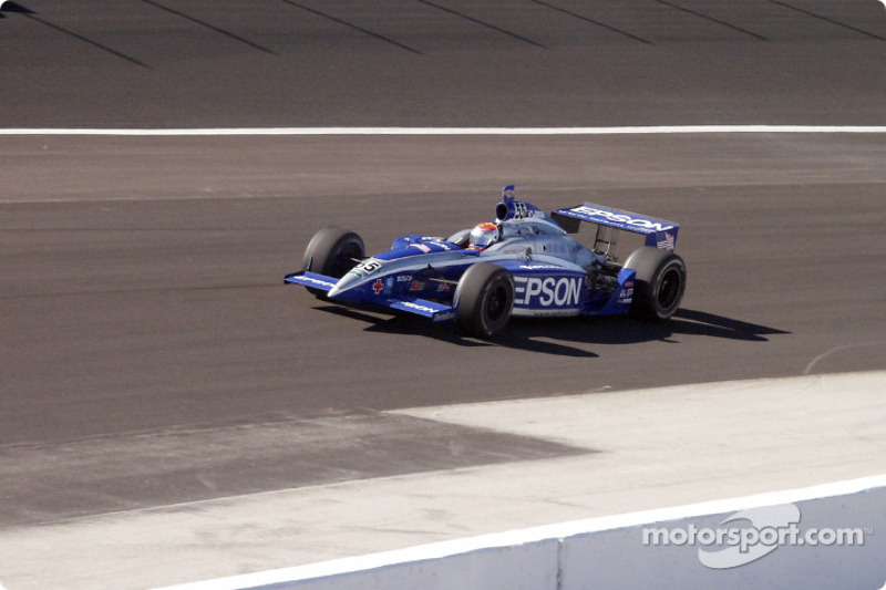 Shigeaki Hattori on the apron after leaving pit road