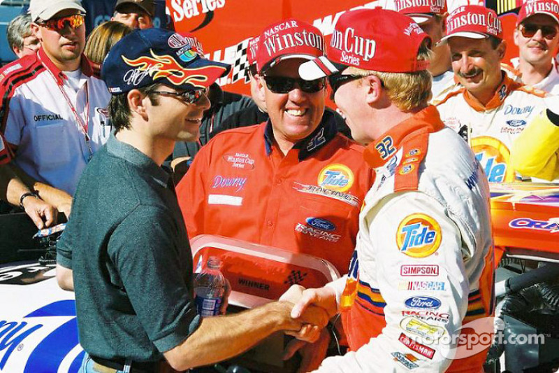 Jeff Gordon congratulating Ricky Craven