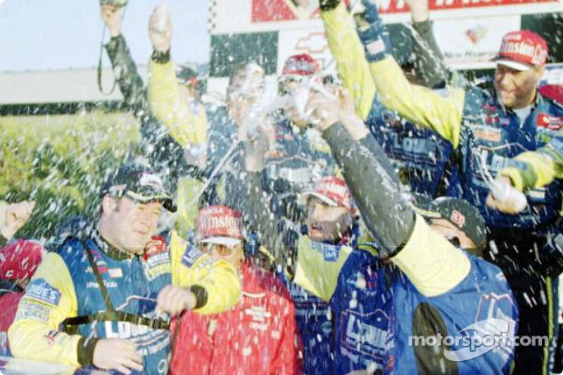 Robby Gordon celebrating