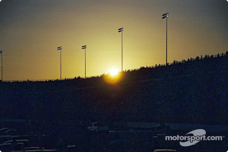 Puesta de sol en el Richmond International Raceway