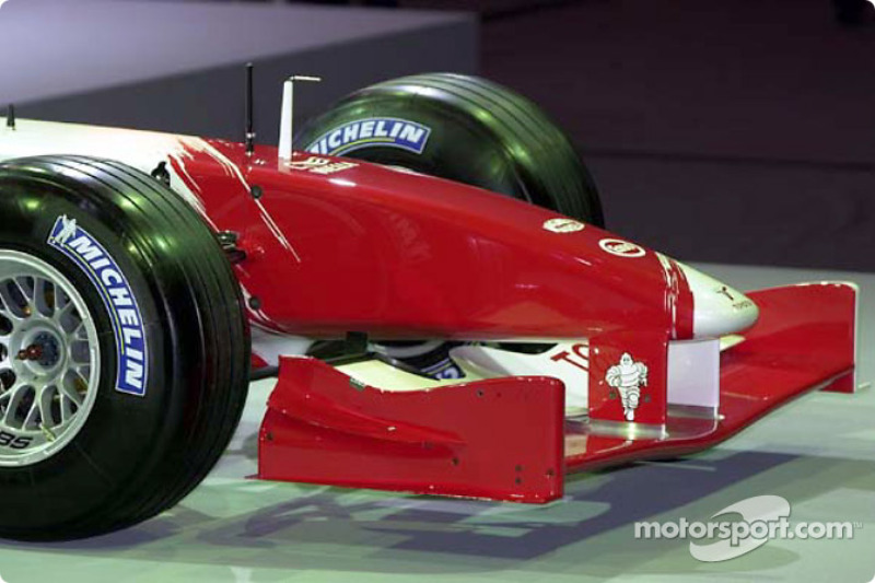 Front nose, Toyota TF102