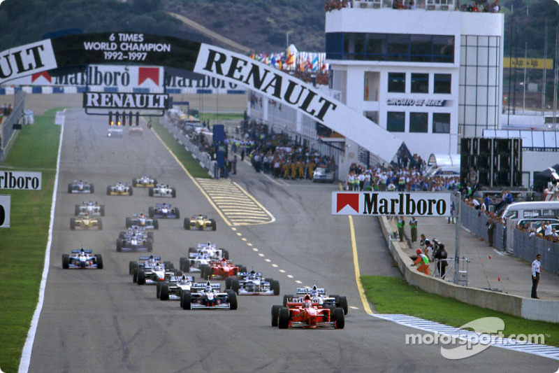 start: Michael Schumacher front, Jacques Villeneuve ve Heinz-Harald Frentzen