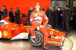 Michael Schumacher mit dem neuen Ferrari F2002