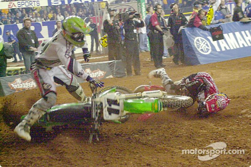 Ezra Lusk and Ernesto Fonseca crash in a tight turn