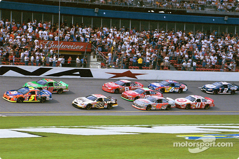 Brothers Terry and Bobby Labonte leading Dale Jarrett and the field