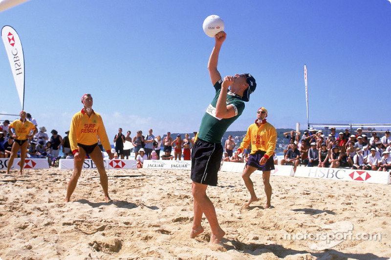 Beach Volley à Manly Beach, à Sidney : Eddie Irvine