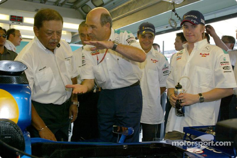 The King of Malaysia with Peter Sauber, Nick Heidfeld and Felipe Massa