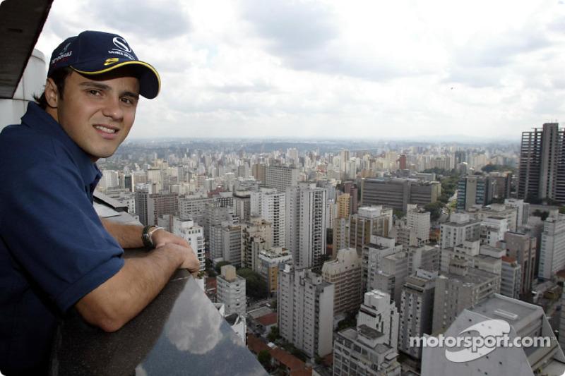 Felipe Massa having a look at downtown Sao Paulo