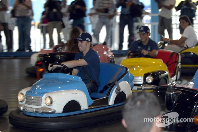 Visita al Hopi Hari Park: Nick Heidfeld y Felipe Massa