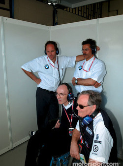 Frank Williams, Patrick Head, Gerhard Berger et Dr Mario Theissen