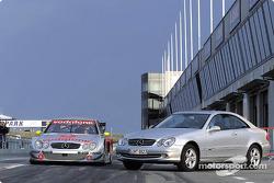 El nuevo Mercedes-Benz CLK-DTM y su contraparte de producción