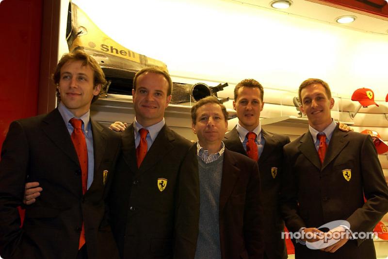 Inauguration d'un Ferrari Store à Maranello : Luca Badoer, Rubens Barrichello, Jean Todt, Michael Schumacher et Luciano Burti
