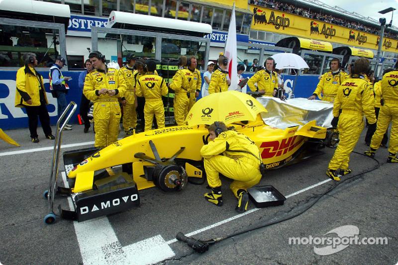 Team Jordan on the starting grid