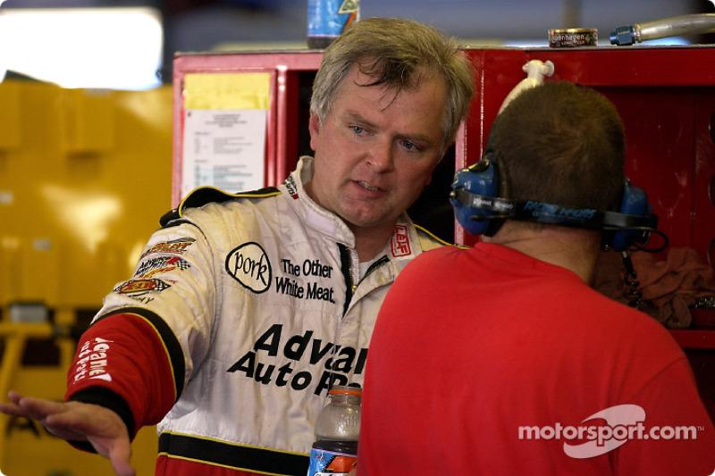 El piloto de ARCA, Frank Kimmel, quien llevó patrocinios a Travis Carter Racing arrancará el #26 Advanced Auto Parts Ford desde el puesto 29